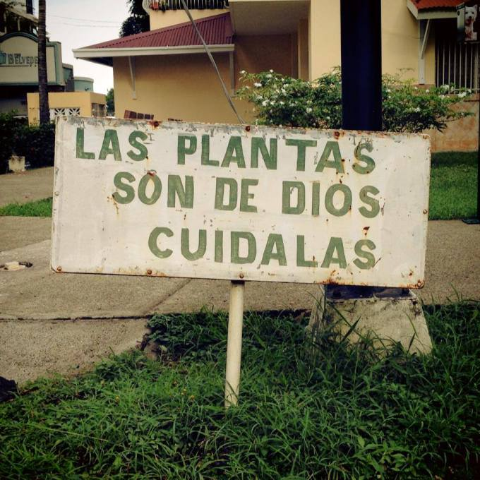 Sign in Coco del Mar, Panama